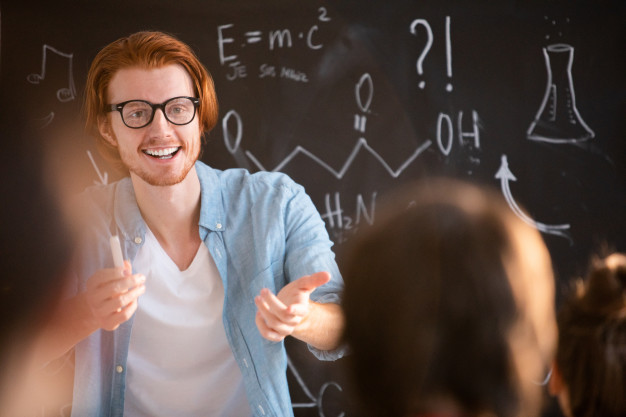 man working as opettaja